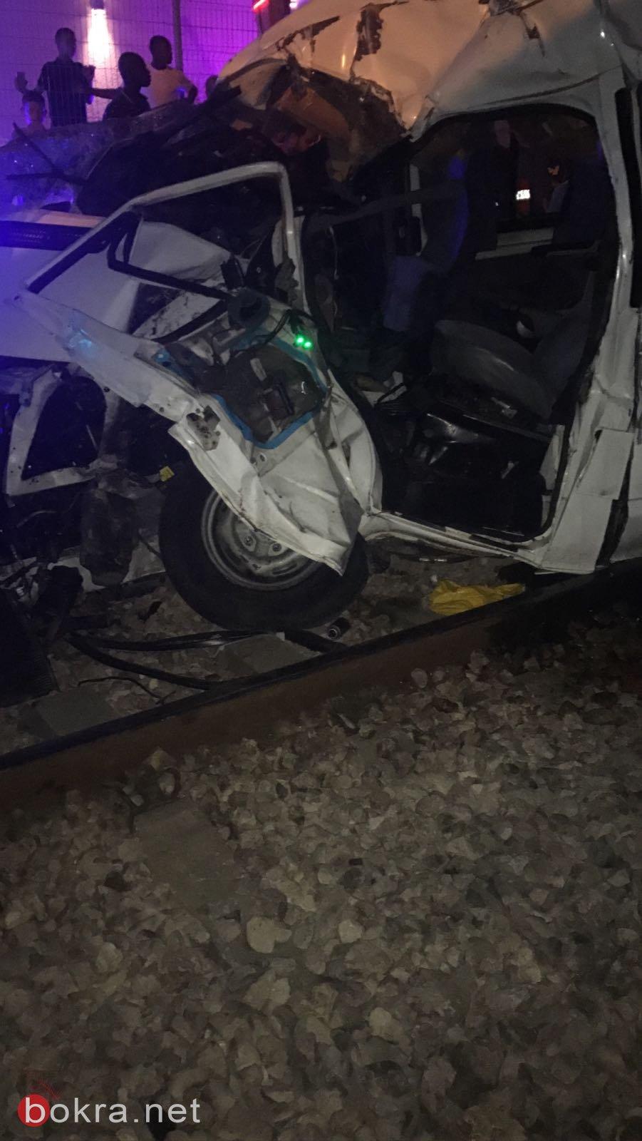 اصابات بالغة لعائلة  عربية من اللد جراء اصطدام مركبتهم بقطار عابر