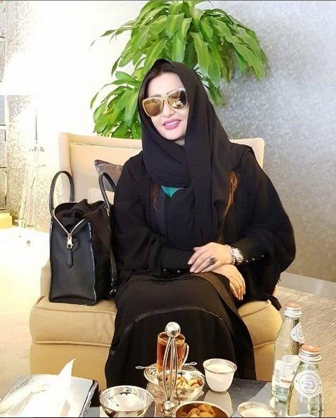 لطيفة التونسية في الحجاب والجلباب!