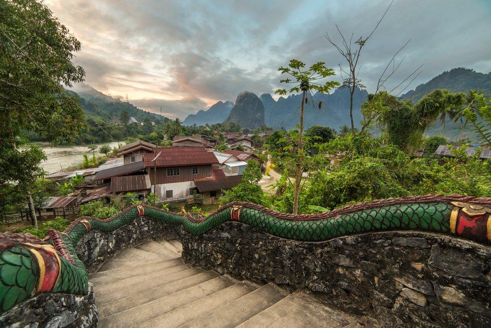 زيارة الى لاوس الوجهة السياحية الدافئة في فبراير 105987457