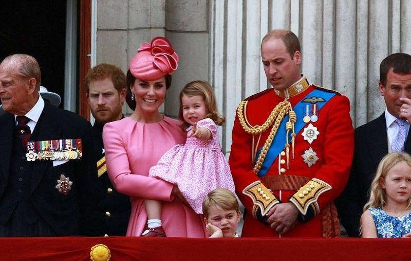 الأميران جورج وشارلوت نجما إحتفال ذكرى ميلاد الملكة إليزابيث