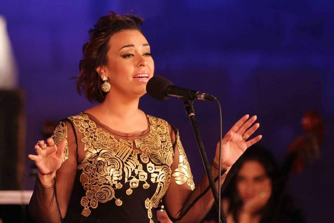 فنانة مصرية تجري جراحة خطرة لاستئصال ورم