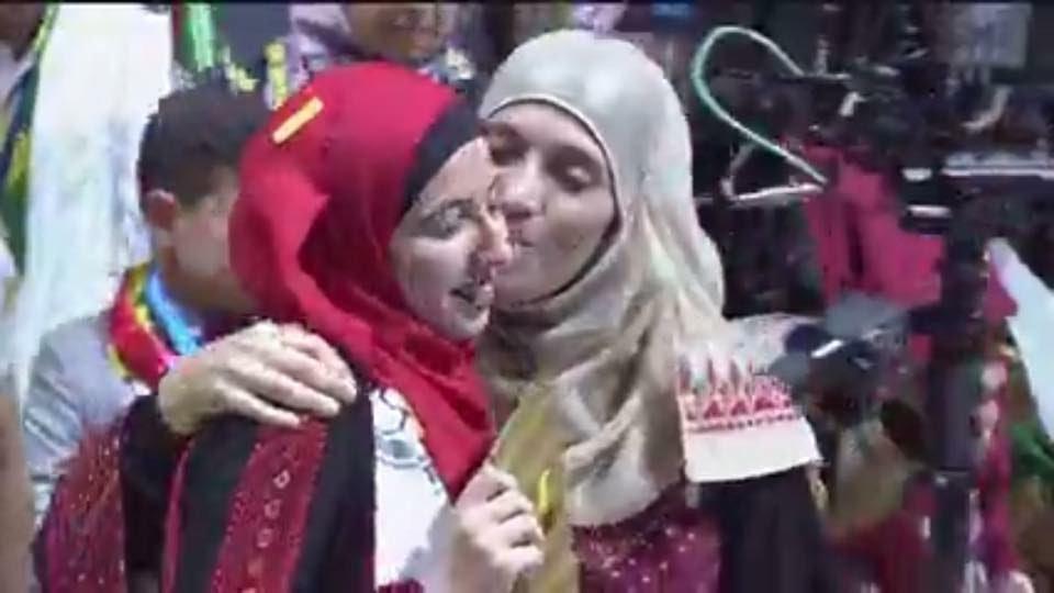 طالبة فلسطينية تدخل العالمية بـتحدي القراءة