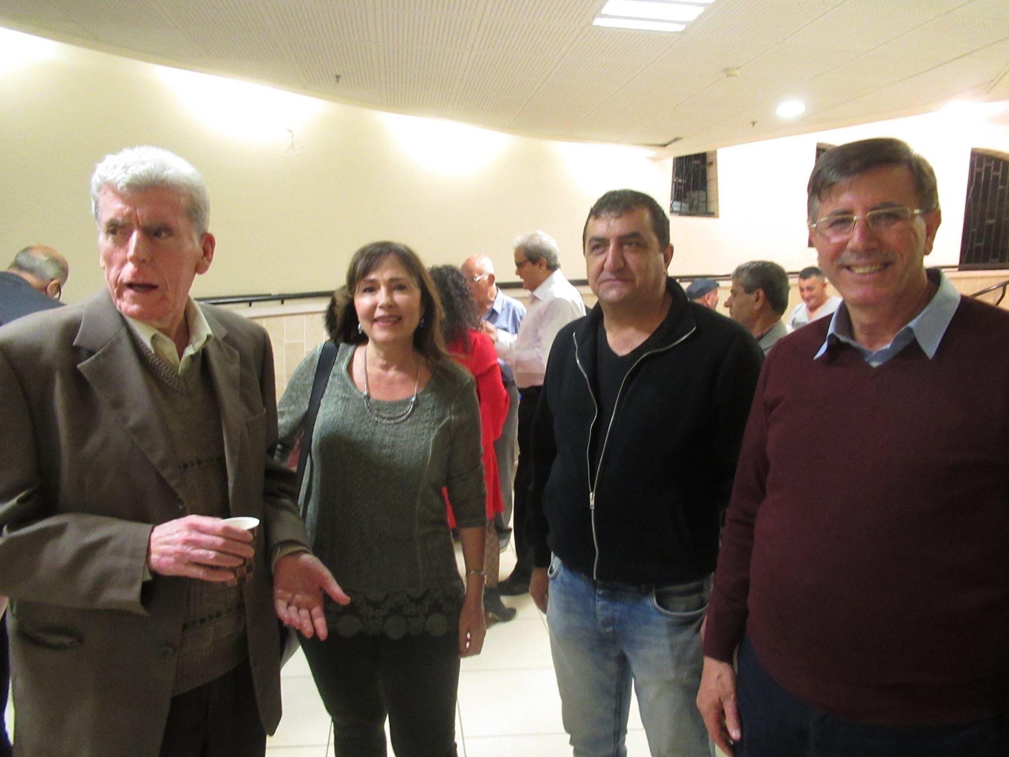 المربي رياض كامل، يُشهر دراسته  دراسات في الأدب الفلسطيني