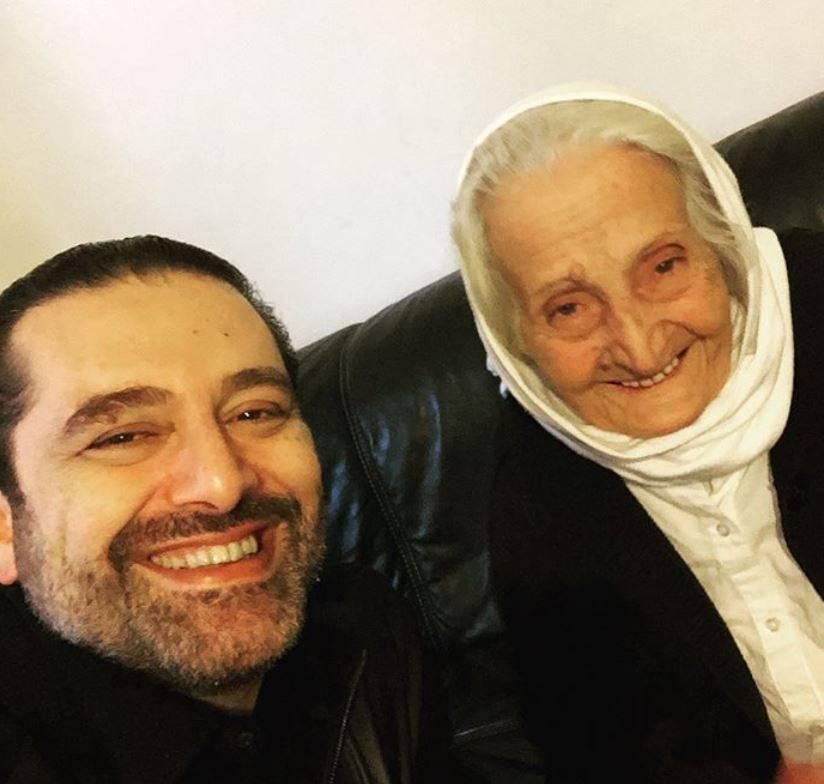 سعد الحريري يفاجئ عائلة لبنانية بزيارتهم في منزلهم