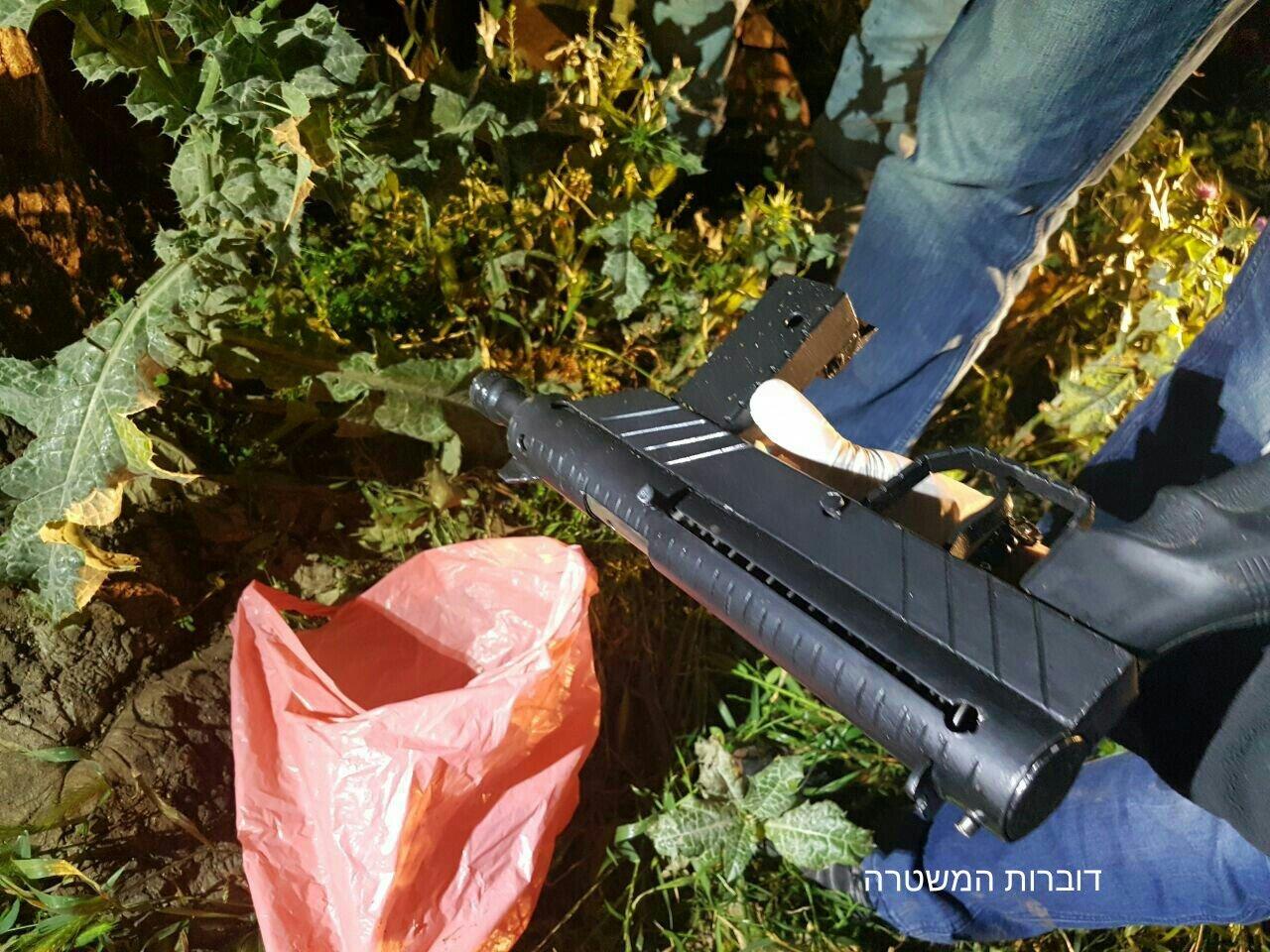 الشمال: الشرطة تضبط 32 بندقية و35 مسدسًا و17 عبوة ناسفة وغيرها في بلدات عربية