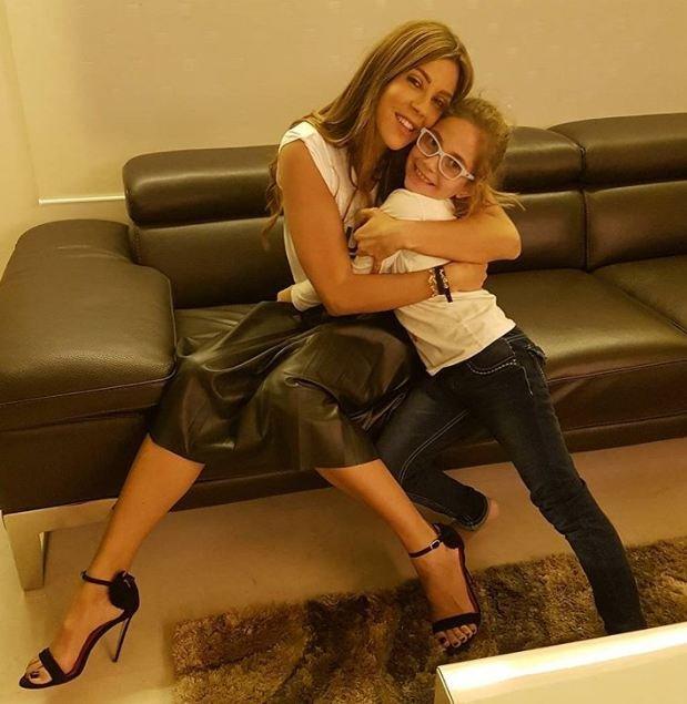 بالصورة: ابنة كارلا حداد في الانستغرام.. هل تشبهها؟