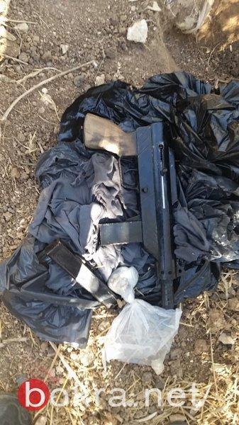 بينها قذائف هاون وصواريخ .. بالصور والتفاصيل: الشرطة تضبط أسلحة في الناصرة وبلدات أخرى