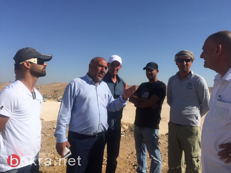 النائب طلب ابو عرار يزور قرية ام الحيران ويقف على التطورات الاخيرة