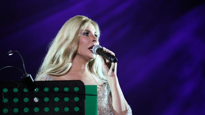 صوفيّة صادق تعود الى الغناء في قرطاج بعد غياب طويل