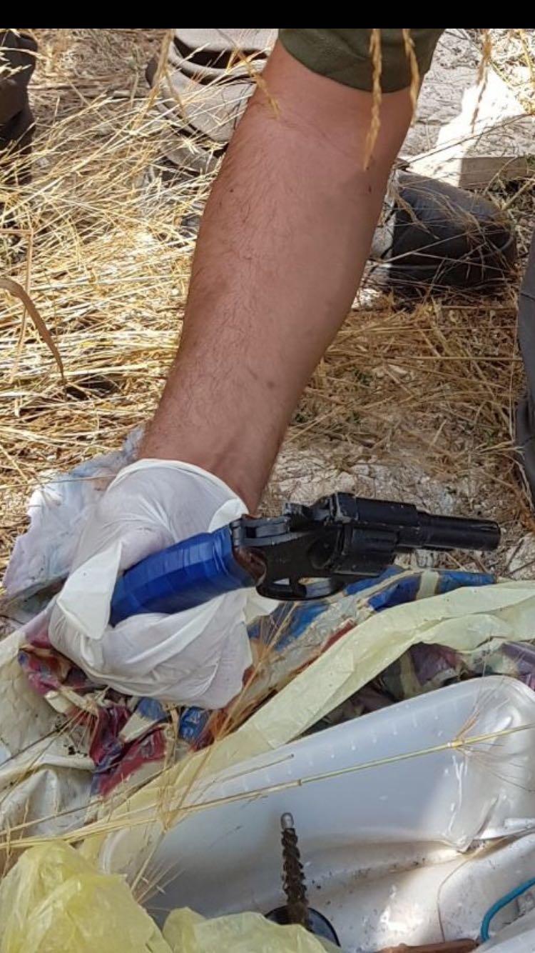 الناصرة: القاء القبض على تاجر مخدرات، وضبط اسلحة واعتقال مشغلين لعمال فلسطينيين