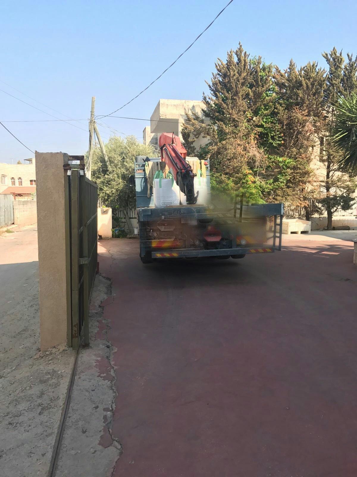 الطيرة: اعتقال قاصر يقود شاحنة رافعة دون حيازته رخصة قيادة