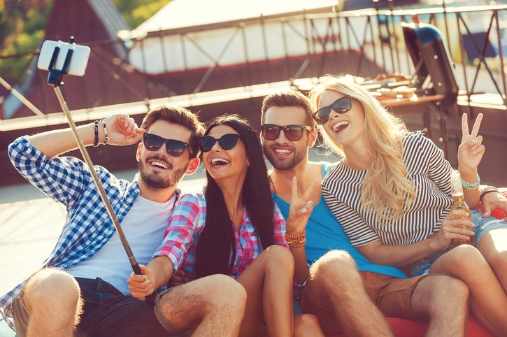 اليكم: إرشادات قبل السفر مع الأصدقاء