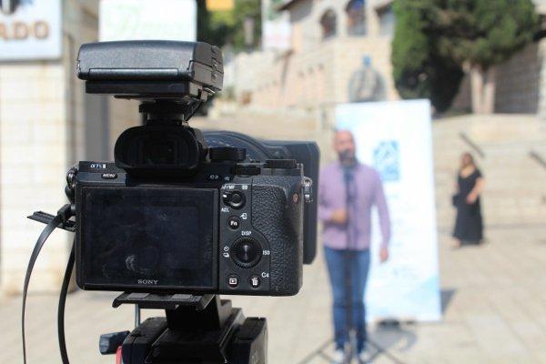 منافسة وخطابات علنيّة في ساحة العين لمشتركي دورة القيادة الشابّة لمركز إعلام