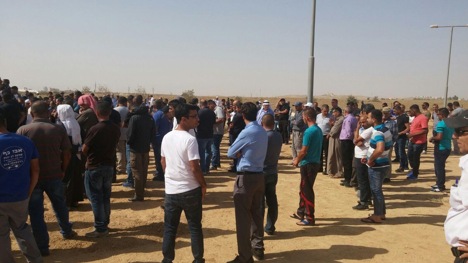 تل السبع: تشييع جثمان الشاب ابو طه والشرطة تصدر امر حظر نشر