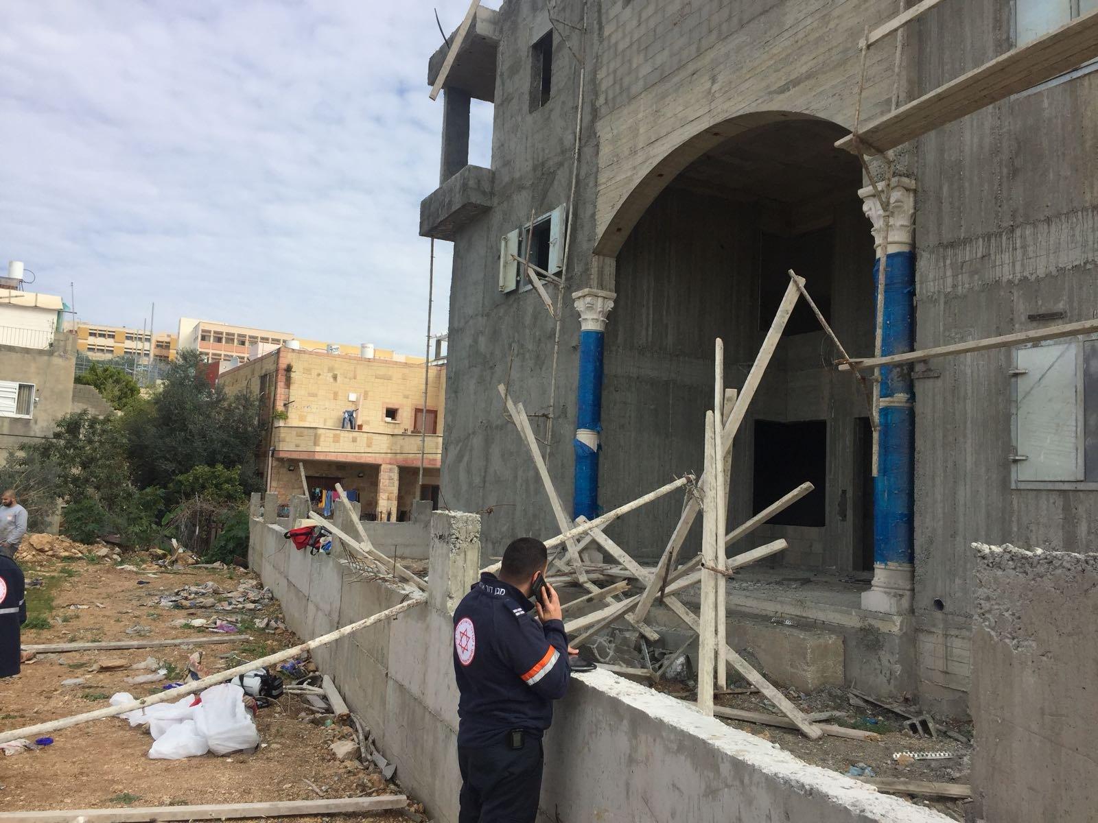 مصرع عامل من غزة في ورشة للبناء في طمرة