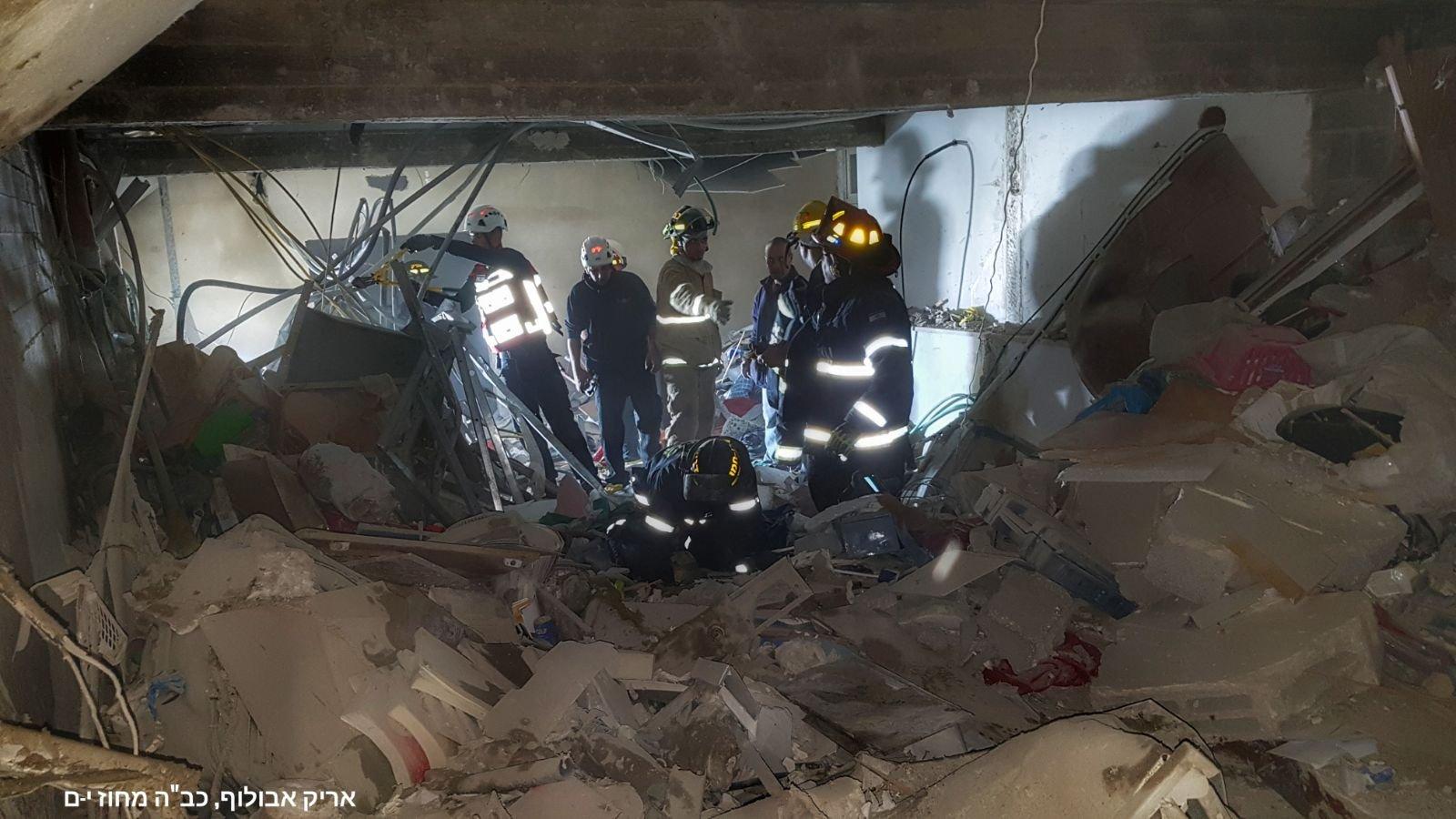 القدس: اصابتان ومصرع شخص نتيجة لانفجار اسطوانة في مبنى سكني