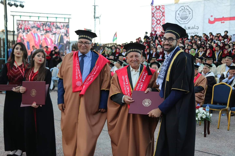 جامعة القدس تحتفل بتخريج الفوج السادس والثلاثين من طلبتها