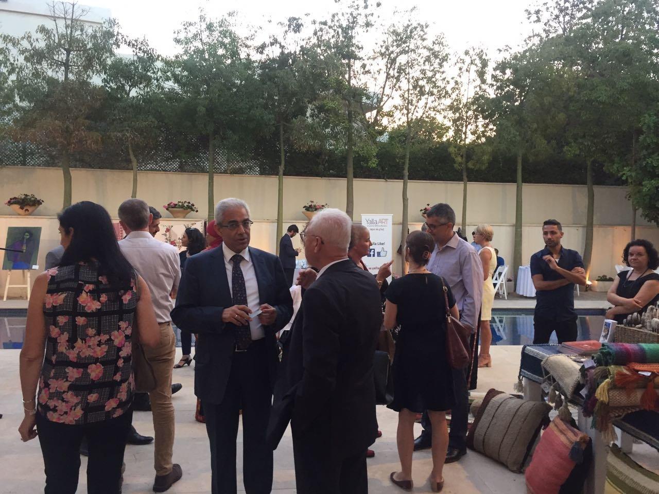 سفير الاتحاد الاوروبي يقيم افطار ويعرض منتجات لنساء عربيات
