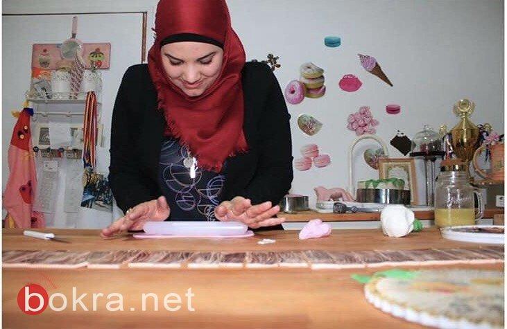 لأول مرة تشارك بمعرض فنّي... منى حاج يحيى تتحدّث لـبكرا