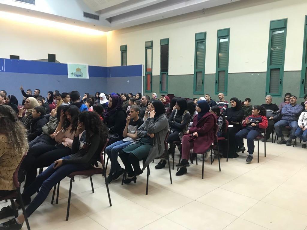 مجلس طرعان المحلي: توزيع 60 حاسوبا ضمن مشروع حاسوب لكل طالب!
