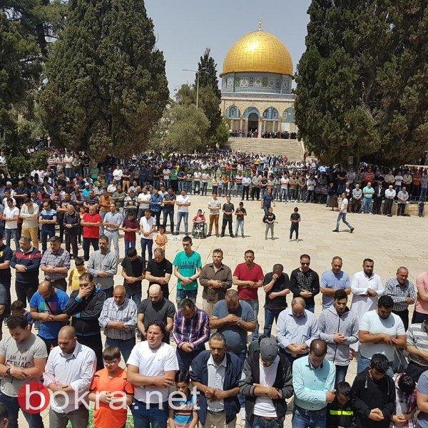 40 ألفا يؤدون صلاة الجمعة في المسجد الأقصى المبارك