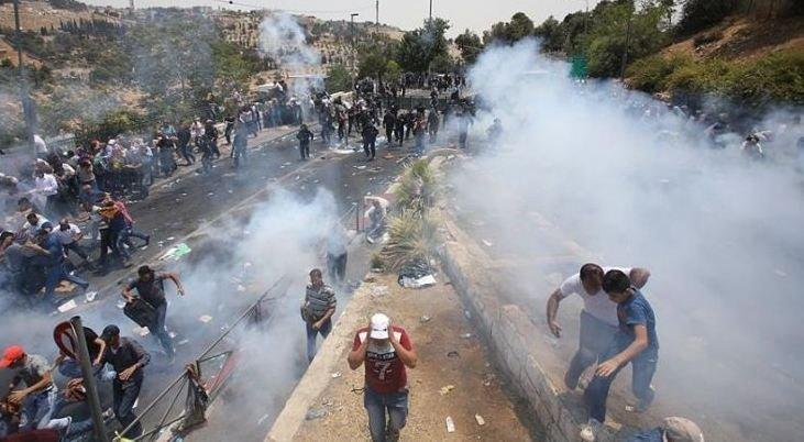 القدس: 3 شهداء، مئات الإصابات و- 10 معتقلين!