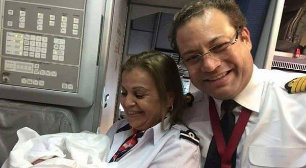 تونسيّة تلد على متن طائرة، ماذا سيكسب المولود؟ 1136653449