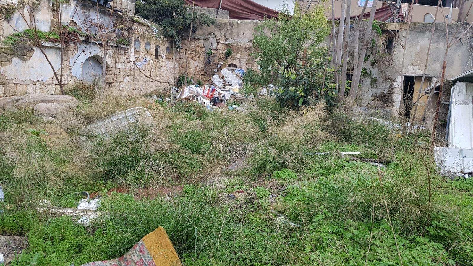 وحدة البيئة في بلدية الناصرة وحملة تنظيف واخلاء مركبات قديمة