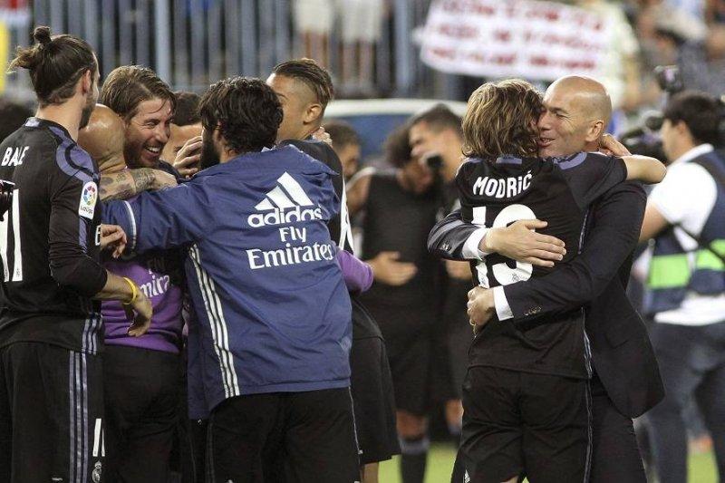 ما هي الأسباب التي أعطت ريال مدريد الأفضلية على برشلونة بالدوري؟