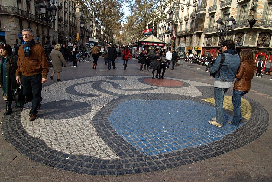 عند زيارتكم الى برشلونة، عناوين وأطباق تستحق التجربة