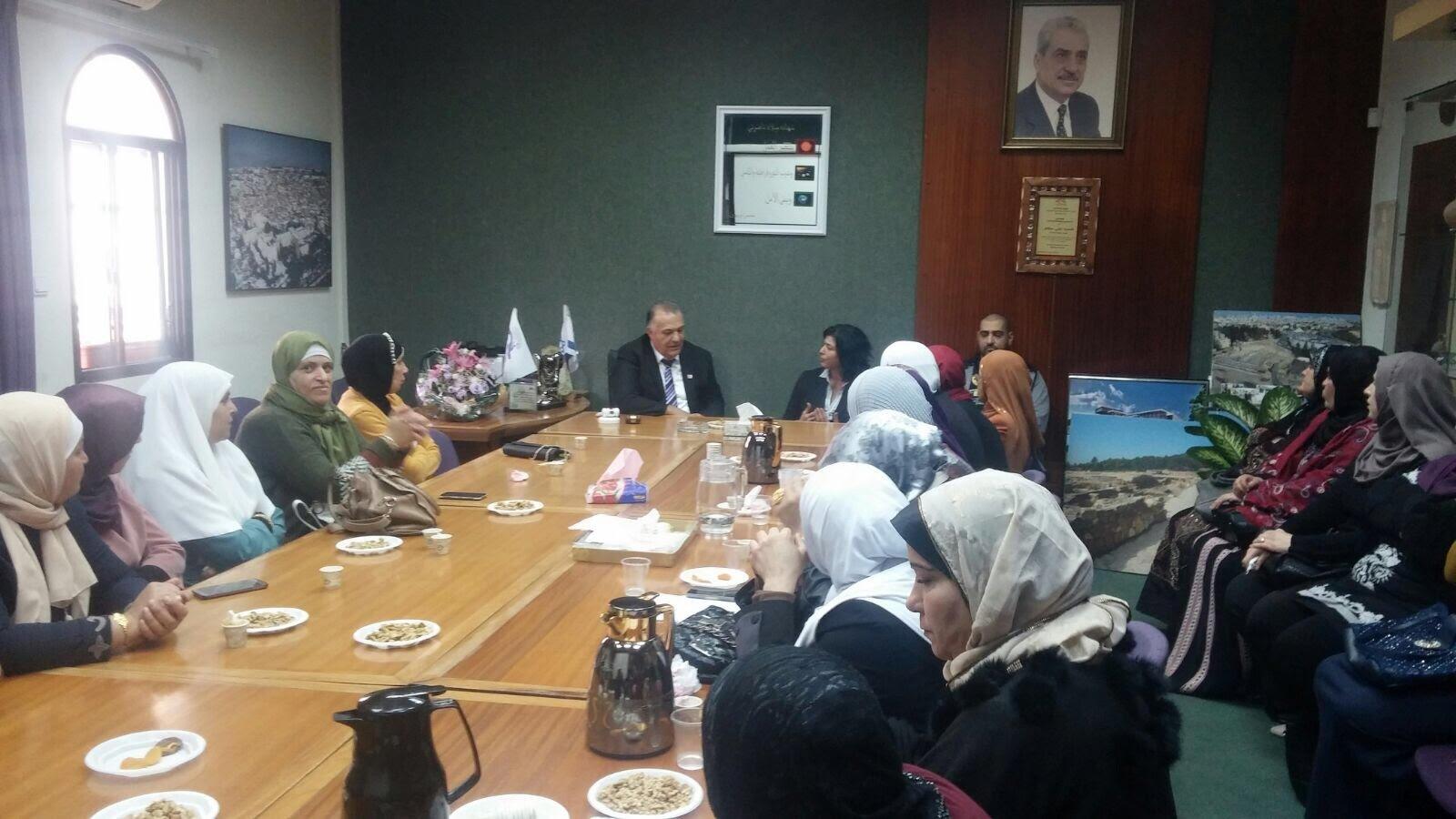 جمعية الامهات في مدرسة عمر بن الخطاب تلتقي رئيس بلدية الناصرة