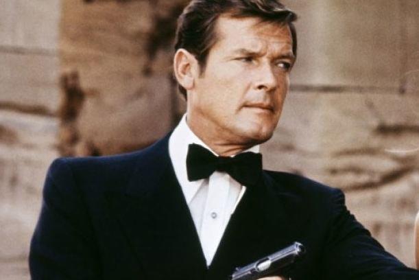 وفاة العميل 007 (صور)