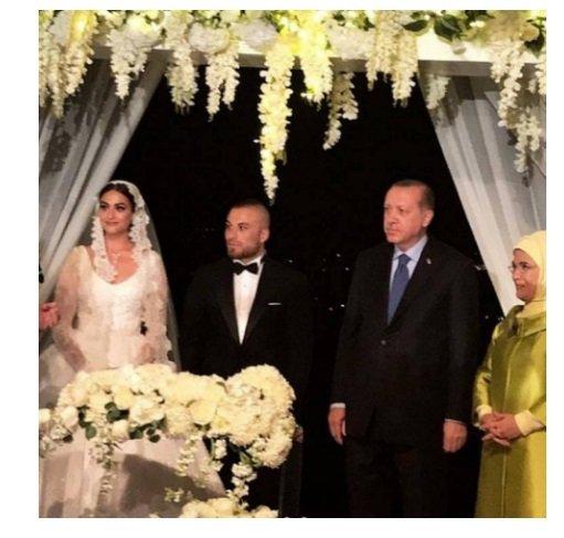 نجمة تركية تغني وترقص في زفافها على أنغام أغنية عربية