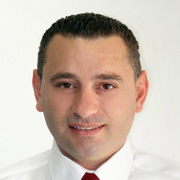 علاء غنطوس لبكرا: على الرغم من العوائق فان الخطة الاقتصادية في الطريق الصحيح