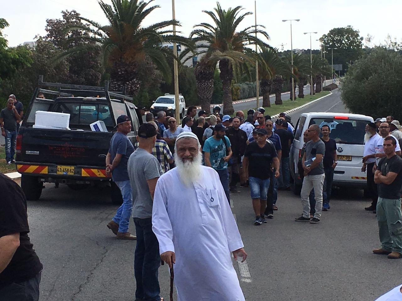 يافا: الصيادون العرب يحتجون امام وزارة الزراعة
