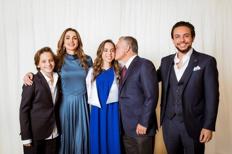 الملكة رانيا تحتفل بتخرج الأميرة سلمى