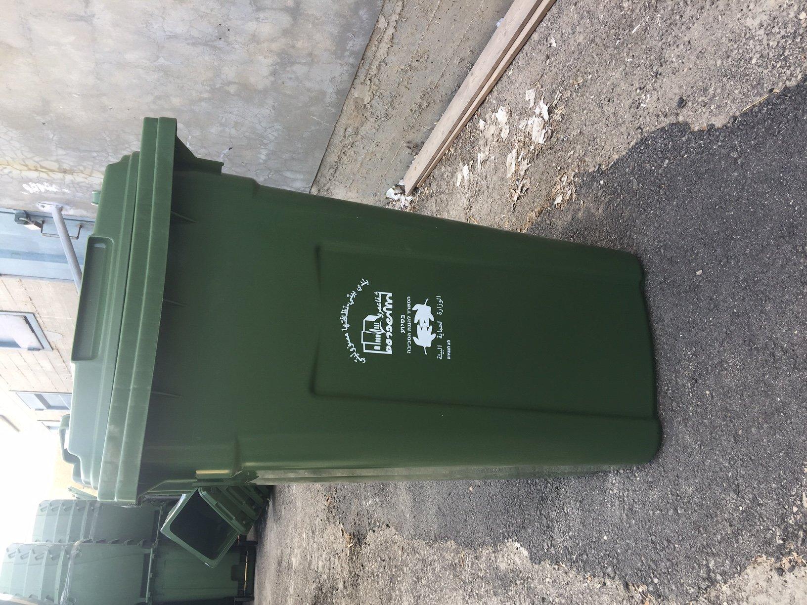 ضمن مشروع شفاعمرو خليها نظيفة .. بلدية شفاعمرو تبدأ حملة تبديل حاويات النفايات بكلفة 1.1 مليون شيكل