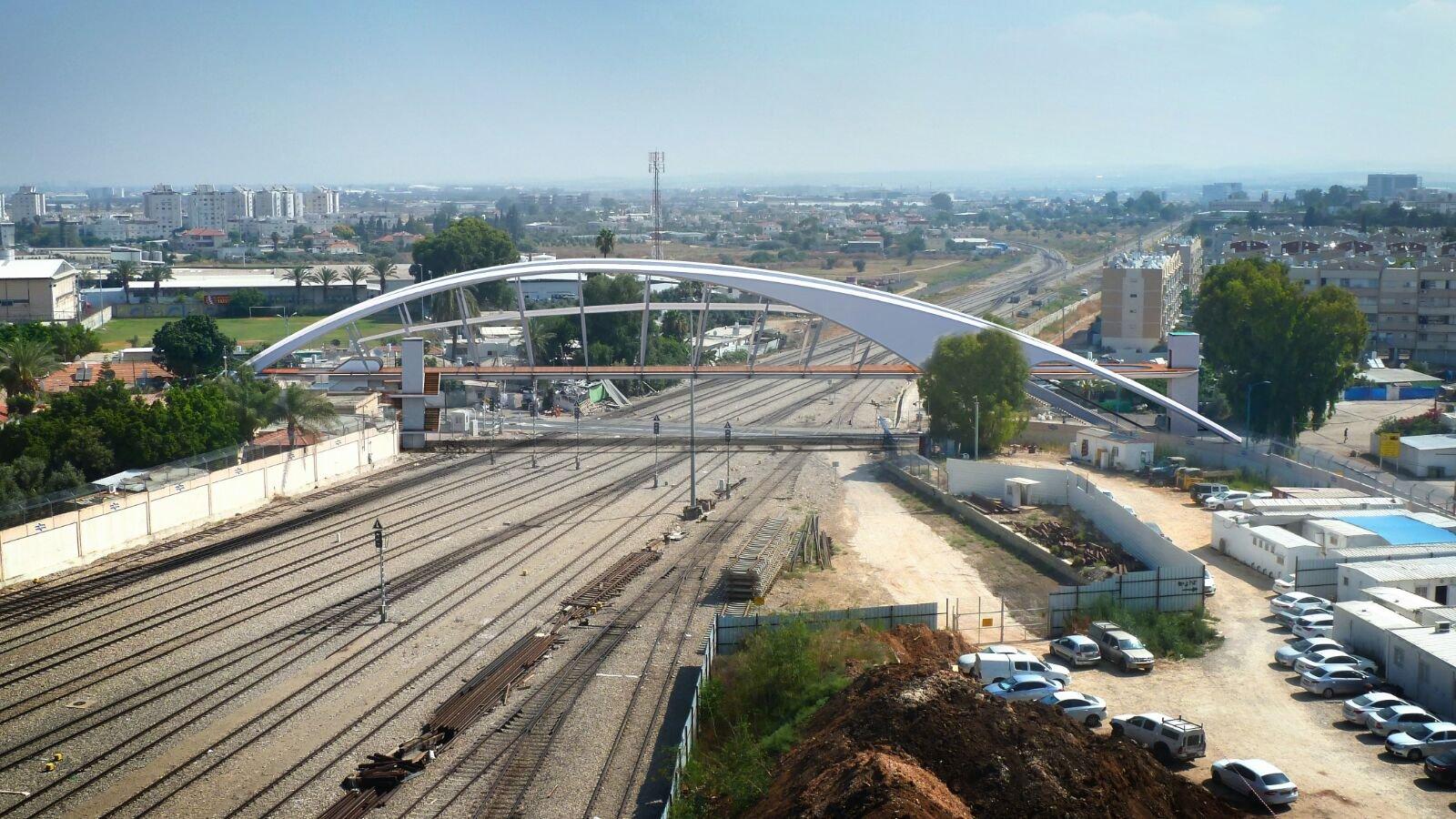 اللد: زيارة لرفيفو في حي المحطة، واقرار بدء التخطيط لاقامة جسر للمشاة