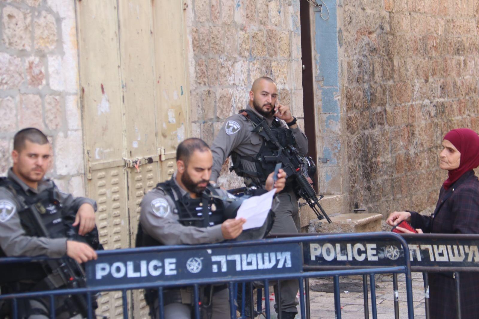 القدس: فيديو اعتصام لنساء مرابطات بالقرب من باب الاسباط