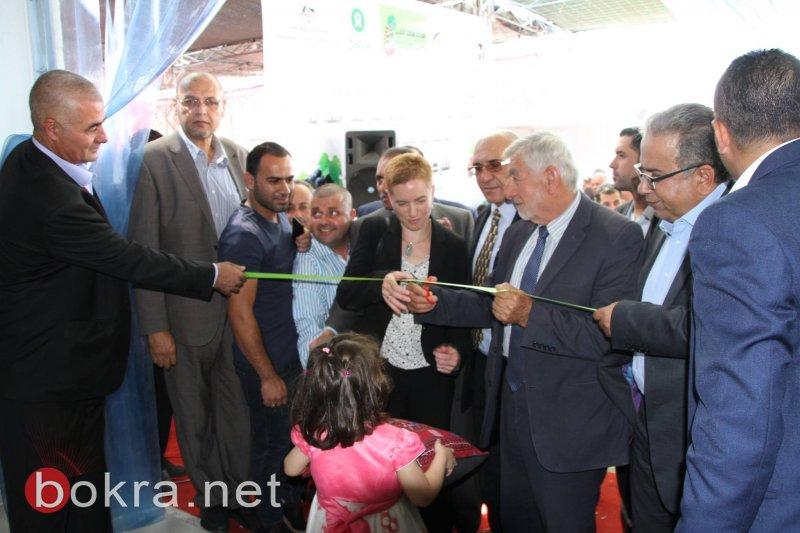 افتتاح بيت التعبئة للعنب والفواكه في مدينة حلحول