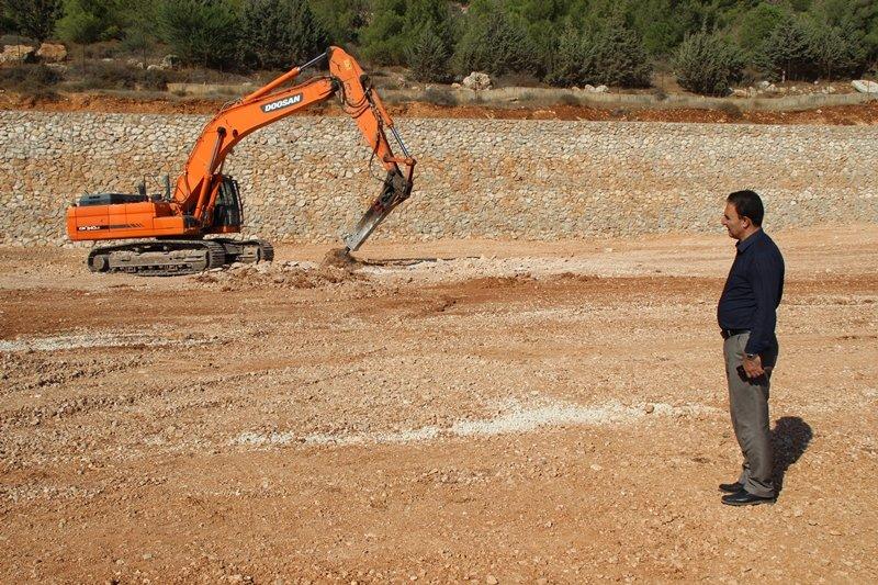 مجلس كفرمندا يعيد تخطيط وبناء الملعب البلدي القديم