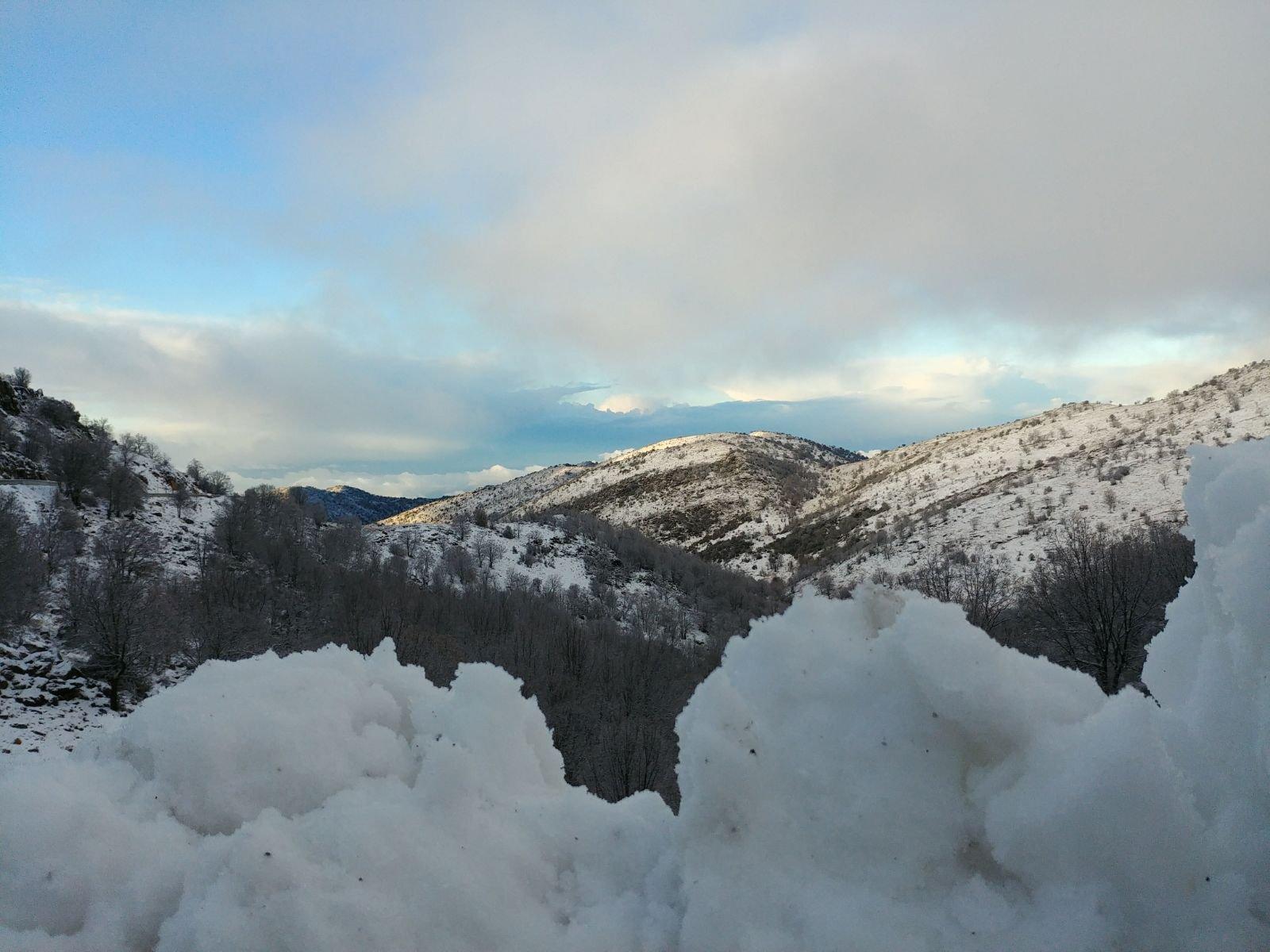 المنخفض الجوي مستمر اليوم .. وتساقط الثلوج بغزارة في جبل الشيخ- شاهدوا الصور