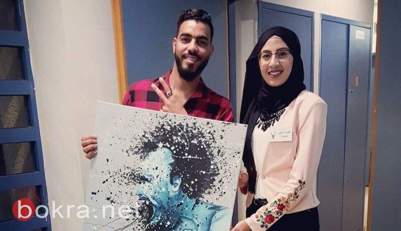 الفنانة الشابة هاجر عبد الحميد من كفر مندا: لكل لوحة حكاية