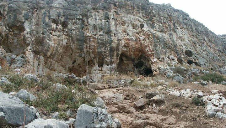 في مغارة بجبل الكرمل .. اكتشاف أقدم أثر لـ الإنسان العاقل خارج إفريقيا