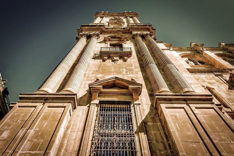 زيارة سياحية إلى مالقة الإسبانية 1929890081