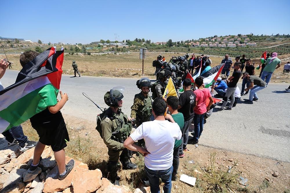 مواجهات مع الاحتلال إثر قمع مسيرات سلمية في غزة والضفة