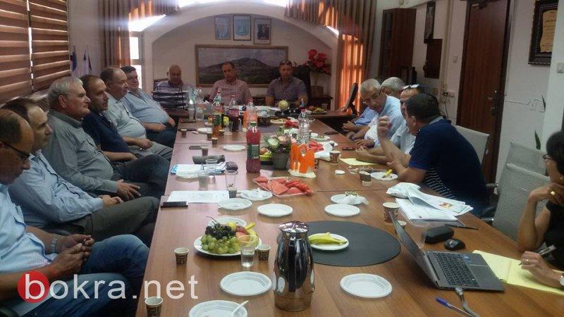 جلسة هامة في مجلس الشبلي أم الغنم لإقامة المنطقة الصناعية شيبوليم بالشراكة مع المجالس المجاورة