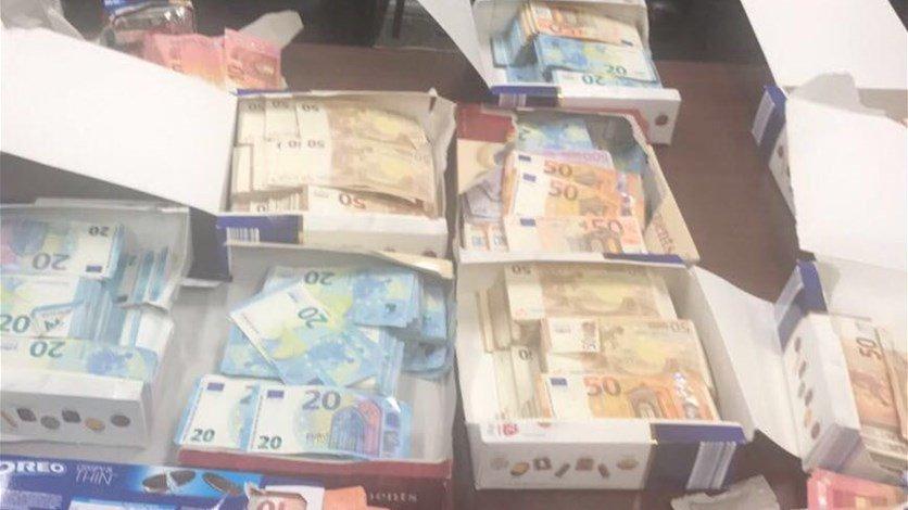 بالصور- نصف مليون يورو في علب للشوكولا بمطار بيروت