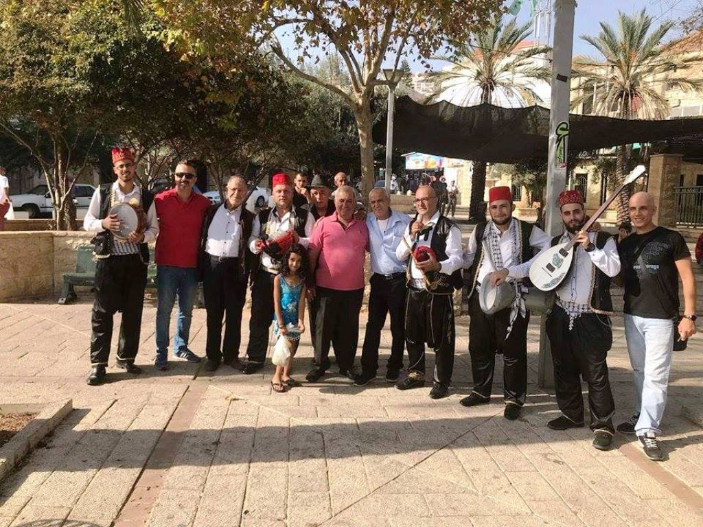 فرقة مزمار تجوب أزقة البلدة القديمة في الناصرة