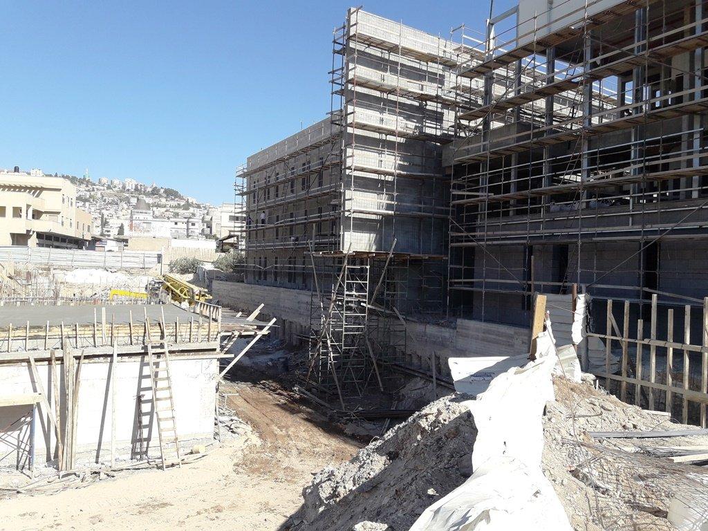 القصر الثقافي الأكبر في الشمال صب باطون السقف الأول